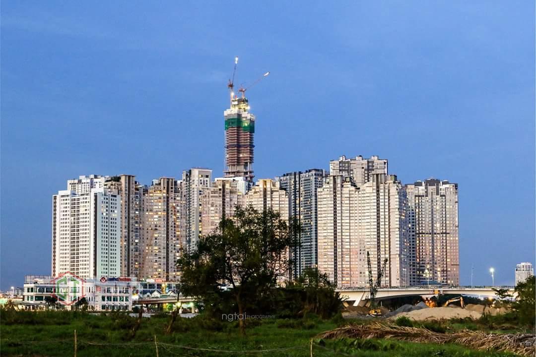 Độ cao landmark 81 đã vượt hoàn toàn các tòa xung quanh