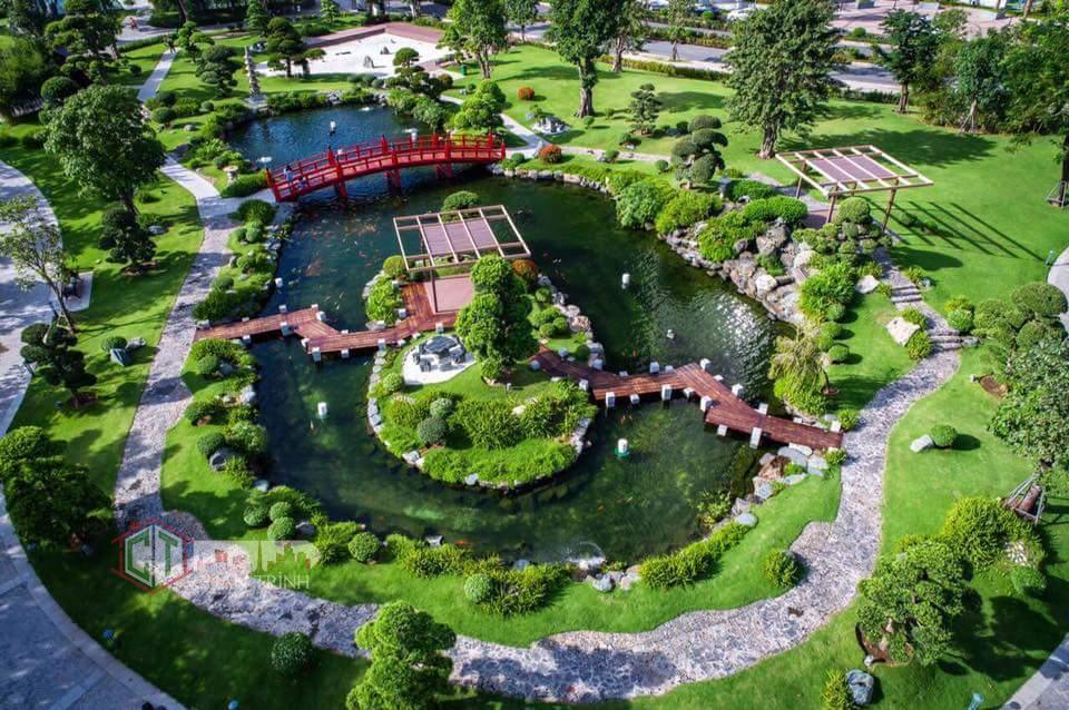 Cảnh đẹp mê hồn tại hồ cá koi Vinhomes Central Park