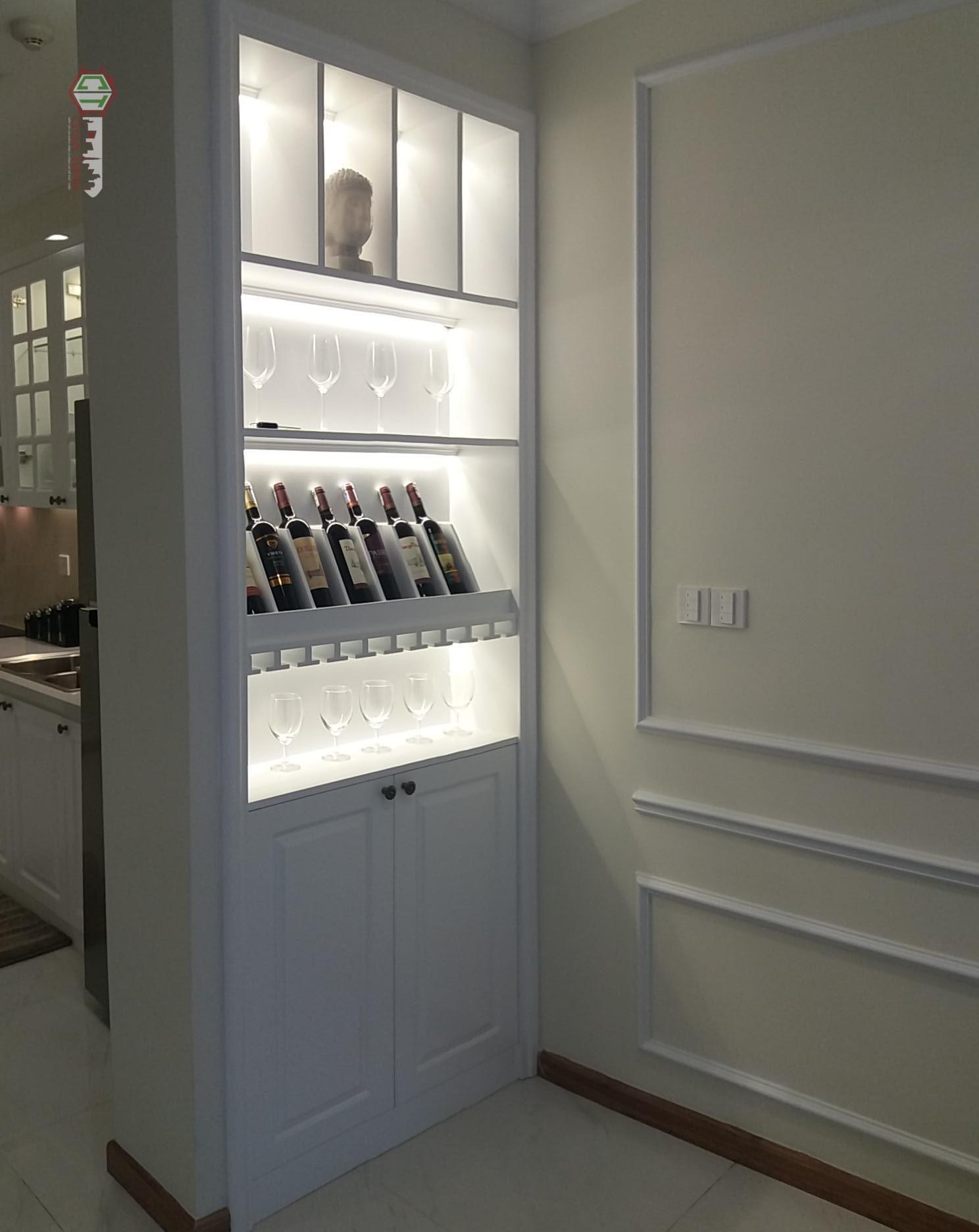 Tủ rượu rất độc đáo tại căn hộ 1 phòng cho thuê Vinhomes Central Park