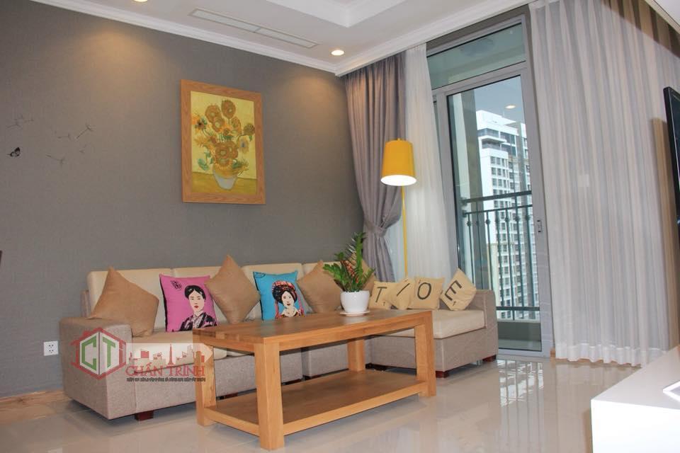 Cho thuê căn hộ 2 phòng ngủ Vinhomes Central Park - Phòng khách