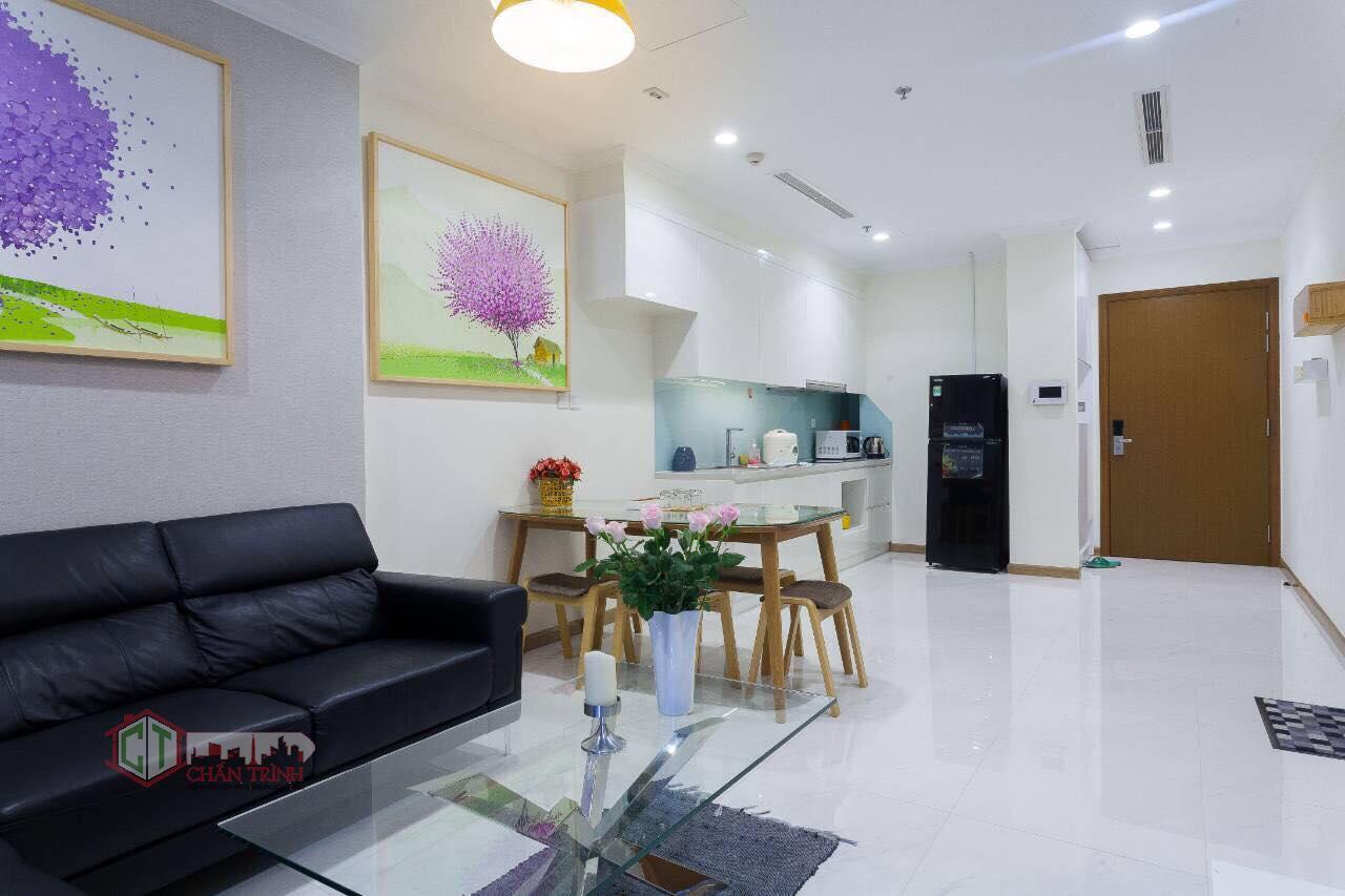 Cho thuê 1 phòng ngủ landmark 2 vinhomes central park - phòng khách, hình thực tế.