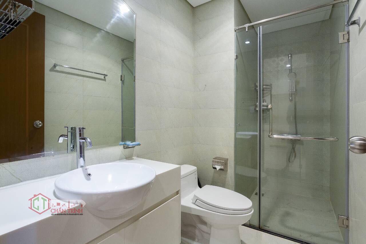 Khu vực nhà vệ sinh căn 1 phòng ngủ landmark 2 vinhomes central park - hình thực tế.