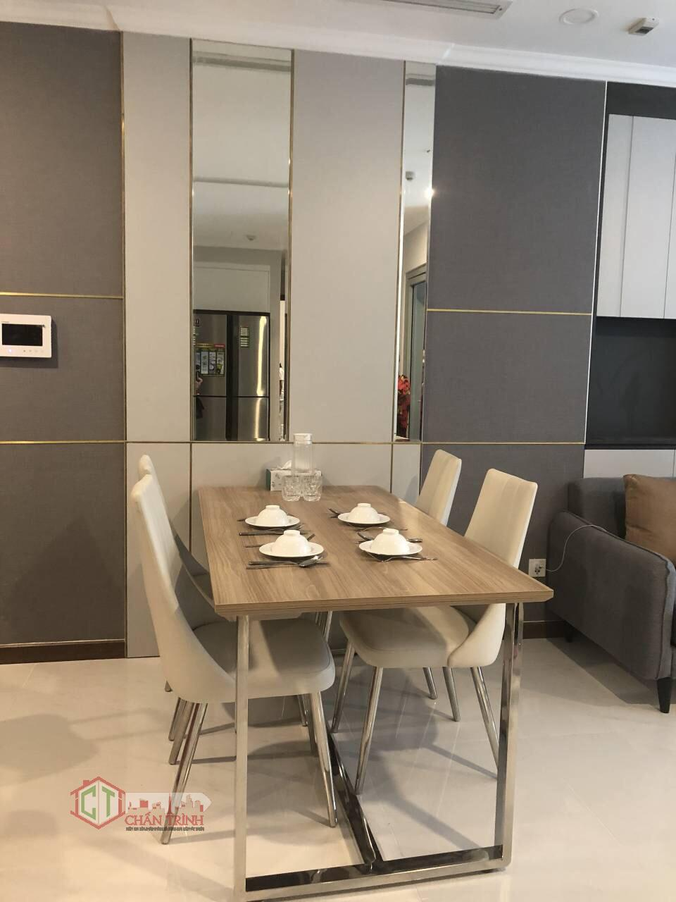Khu bàn ăn căn hộ 2 phòng ngủ L6 - Vinhomes Central Park