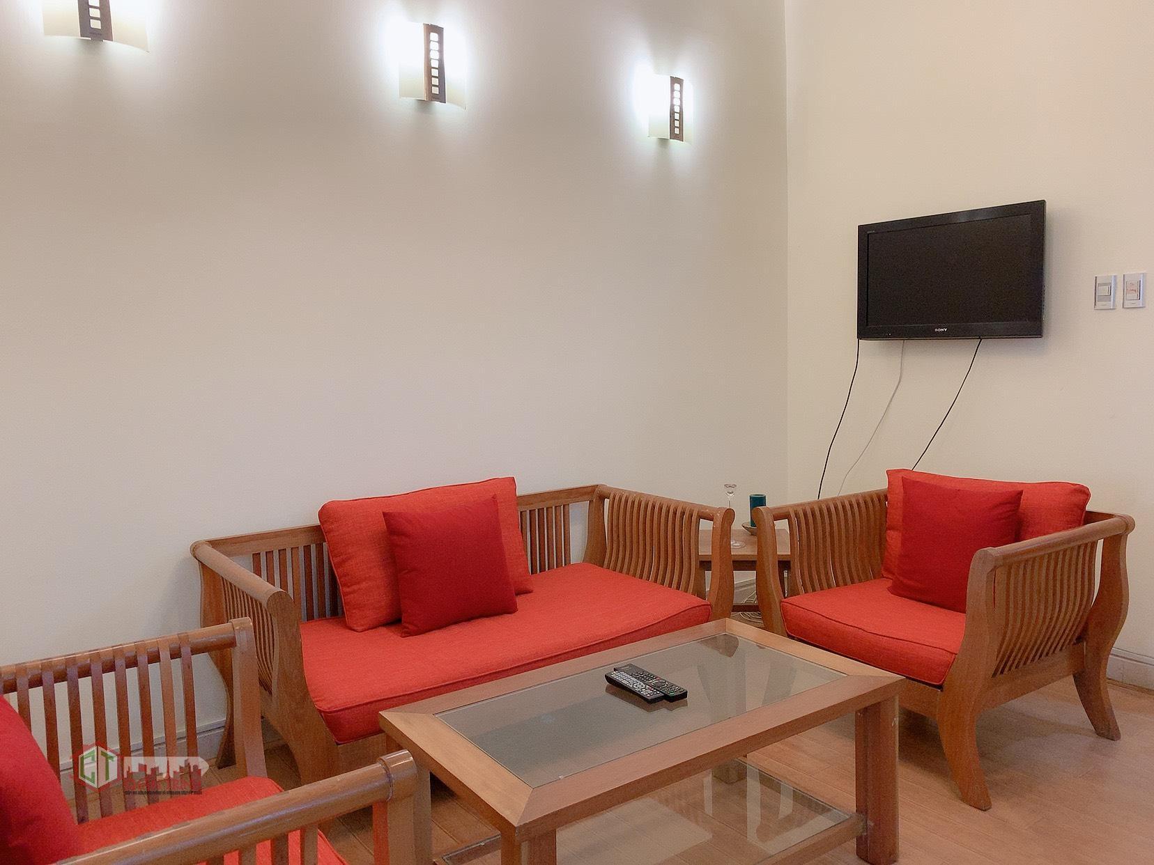 Cho thuê căn hộ 2 phòng 85m2 - Phòng khách
