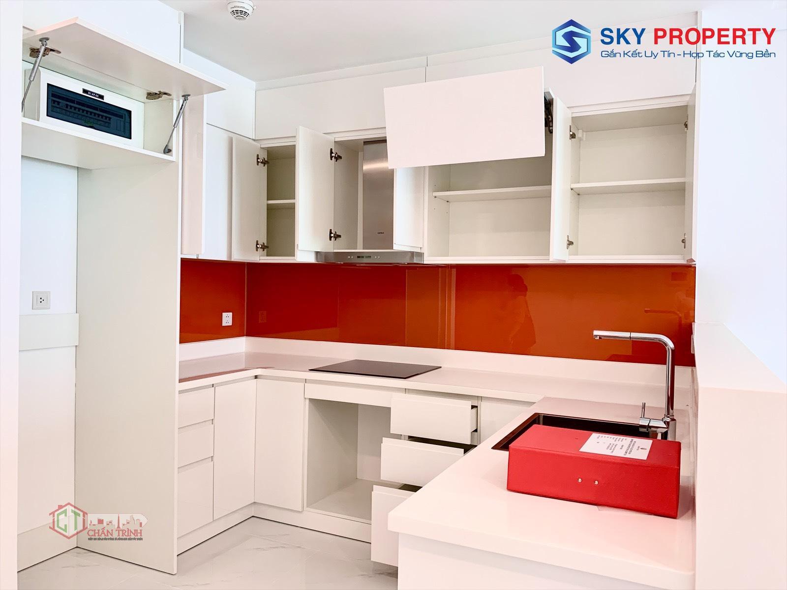 Khu vực bếp của căn hộ 1PN trống.